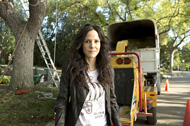 Weeds: Mary-Louise Parker nell'episodio Red in Tooth and Claw