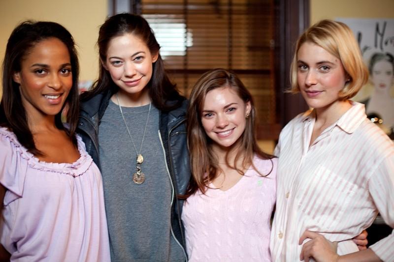 Greta Gerwig, Megalyn Echikunwoke, Carrie MacLemore e Analeigh Tipton in una foto promozionale di Damsels in Distress - Ragazze allo sbando