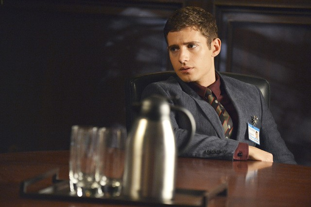 Pretty Little Liars: Julian Morris nell'episodio Stolen Kisses
