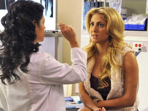 Make it or Break it: Cassie Scerbo nell'episodio Growing Pains