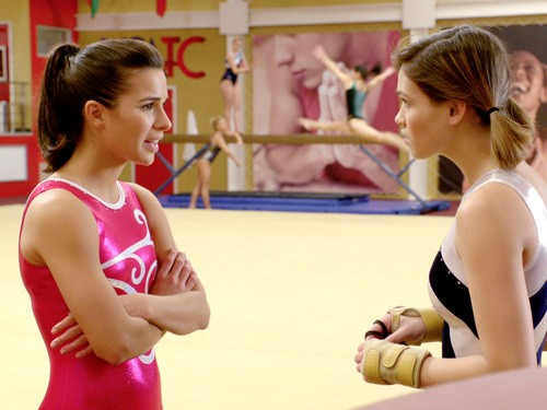 Make it or Break it: Josie Loren e Nicole Gale Anderson nell'episodio Time Is of the Essence