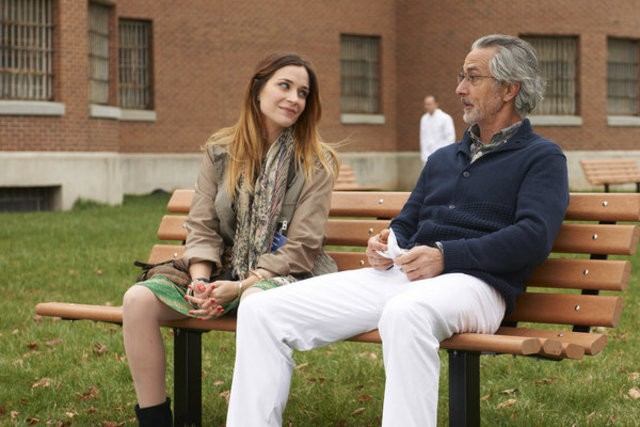 Alphas: Kathleen Munroe e David Strathairn nell'episodio Wake-Up Call