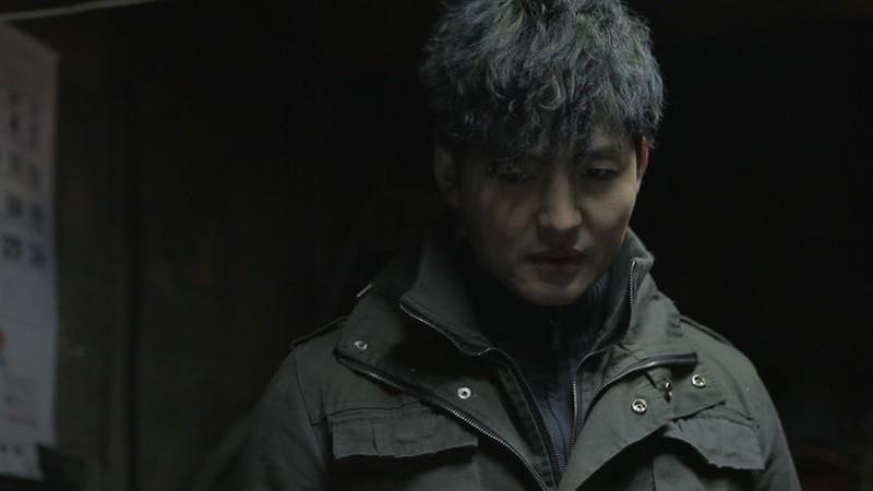 Pietà: Lee Jung-jin nei panni dello strozzino in una scena del film