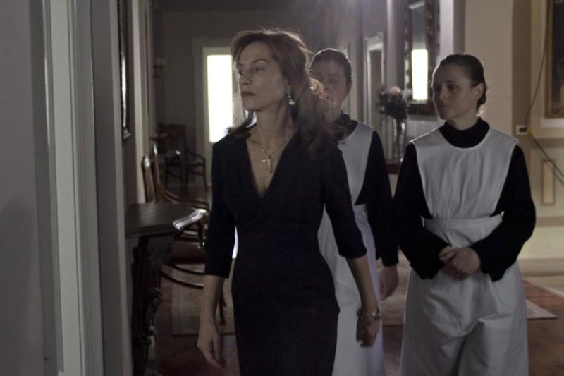 Bella addormentata: Isabelle Huppert in una scena del film