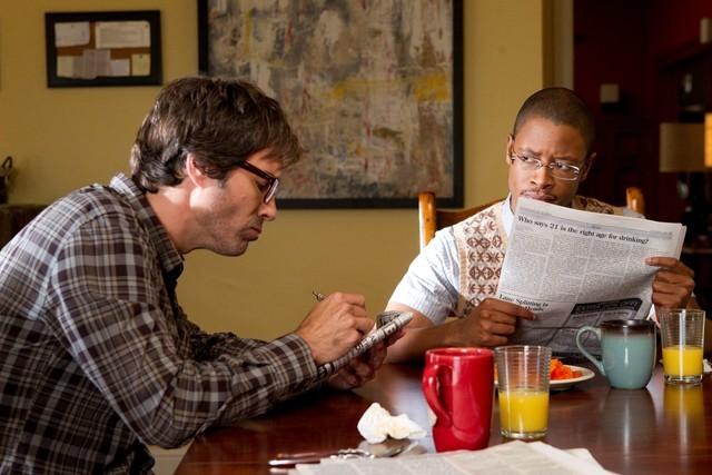 Perception: Eric McCormack e Arjay Smith nell'episodio Cipher