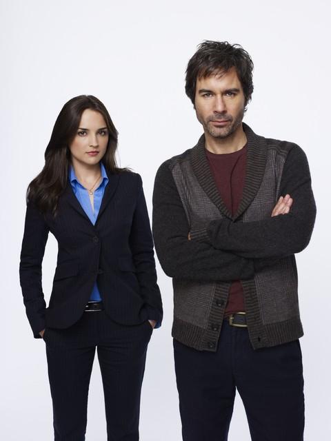 Perception: Eric McCormack e Rachael Leigh Cook in una immagine promozionale della serie