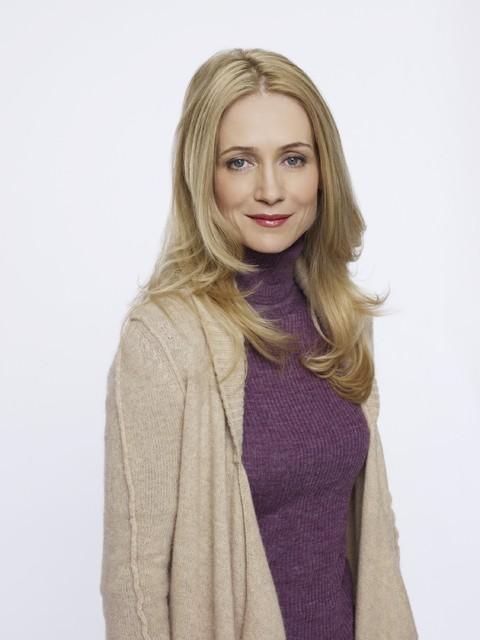 Perception: Kelly Rowan in una foto promozionale della serie