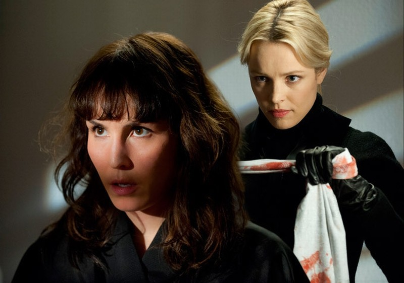 Rachel McAdams insieme a Noomi Rapace in  una scena di Passion