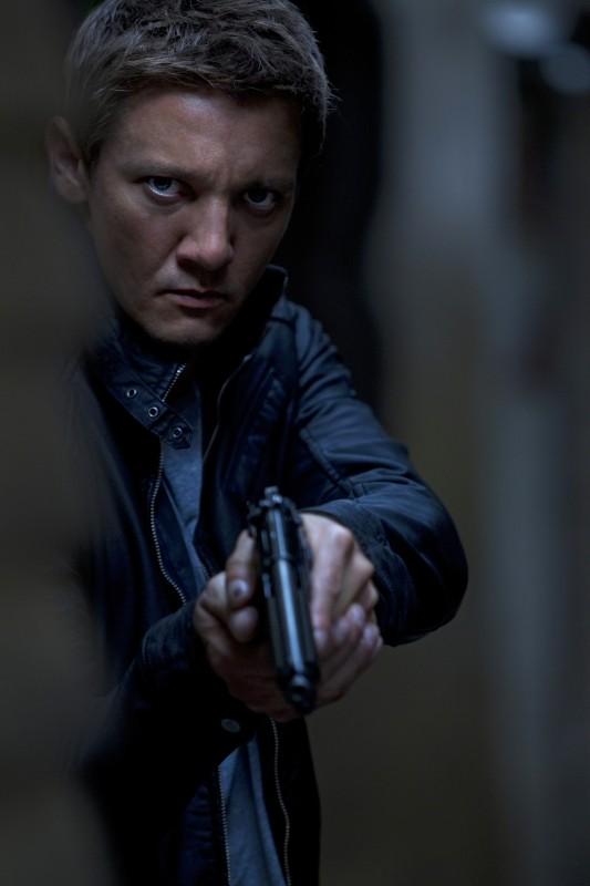 The Bourne Legacy: Jeremy Renner in un'intensa scena del film