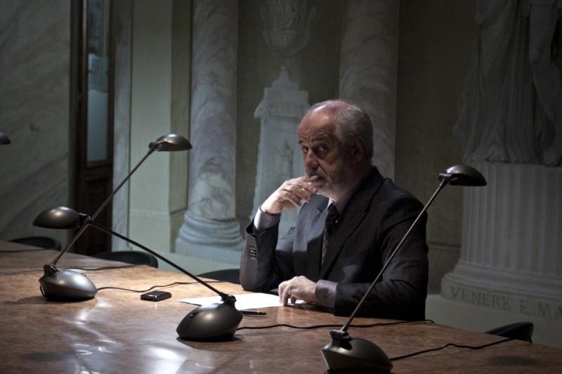 Toni Servillo in un'immagine tratta da Bella addormentata di Marco Bellocchio