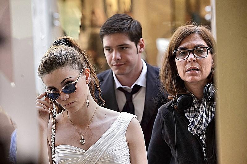 Un giorno speciale: Giulia Valentini e Filippo Scicchitano sul set del film con la regista Francesca Comencini