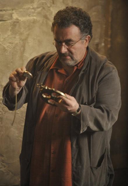 Warehouse 13: Saul Rubinek in una scena dell'episodio A New Hope