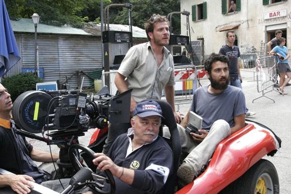 I padroni di casa: il regista Edoardo Gabbriellini sul set del film