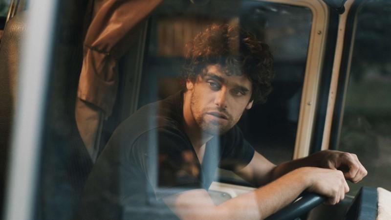 Mobile Home: Arthur Dupont in una scena del film