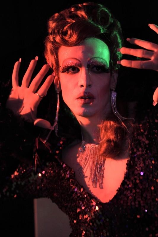 Come non detto: la drag queen interpretata da Francesco Montanari in una scena del film