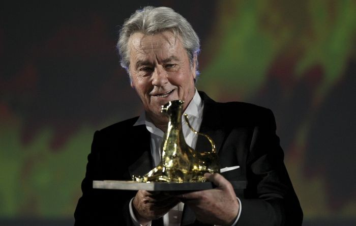 Alain Delon ritira il Lifetime Achievement Award, premio alla carriera, a Locarno
