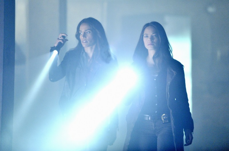 Beauty and the Beast: Nina Lisandrello e Kristin Kreuk nel pilot della serie CW