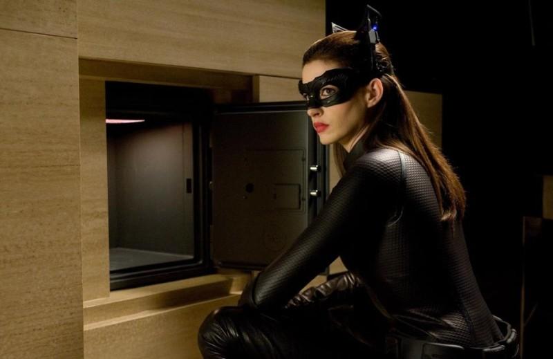 Anne Hathaway è Catwoman ne Il cavaliere oscuro - il ritorno