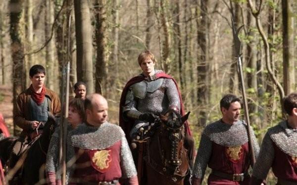 Bradley James in una immagine  della quinta stagione di Merlin