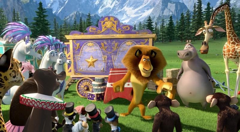 Madagascar 3: ricercati in Europa, Alex parla con tutti i suoi amici del circo in una scena del film