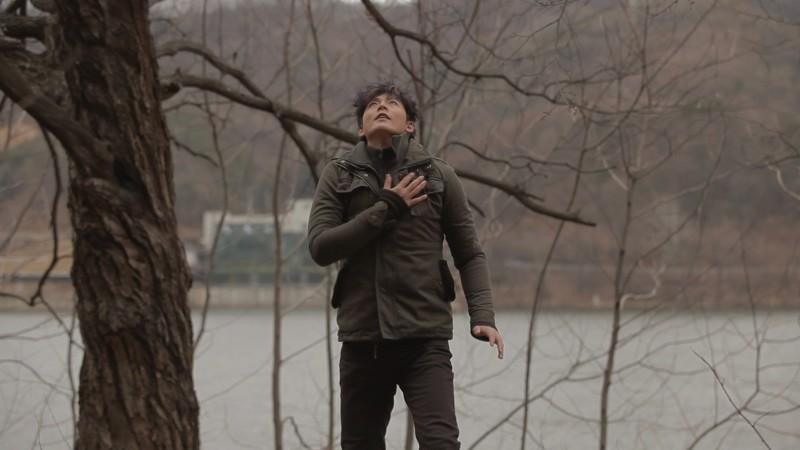 Pietà: Lee Jung-jin in un intenso momento del film