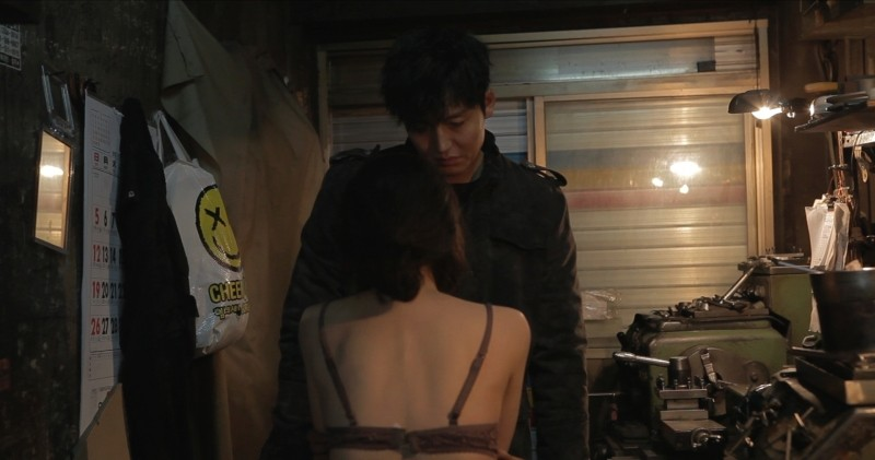Pietà: Lee Jung-jin in una scena del film