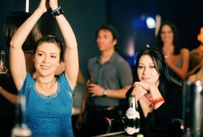 Shannen Doherty e Alyssa Milano in Streghe nell'episodio 2x21 - I quattro dell'Apocalisse
