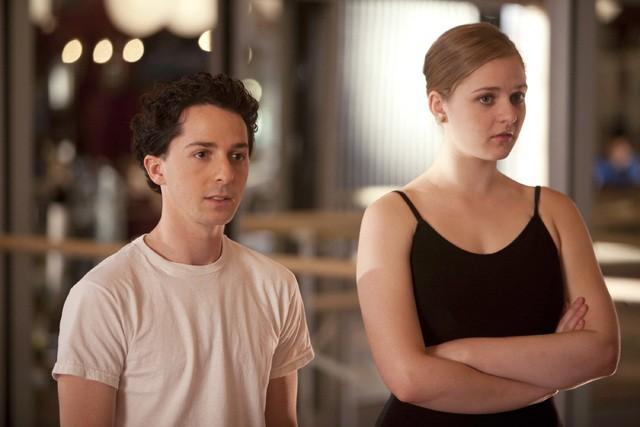 Bunhead: Casey J. Adler e Kaitlyn Jenkins nell'episodio Blank Up, It's Time