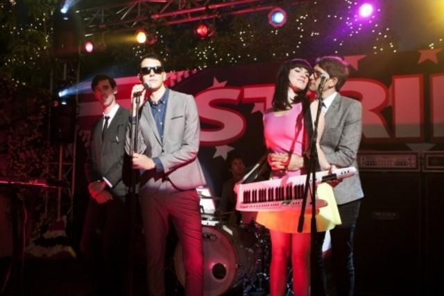 90210: Cobra Starship ospiti musicali nell'episodio Party Politics