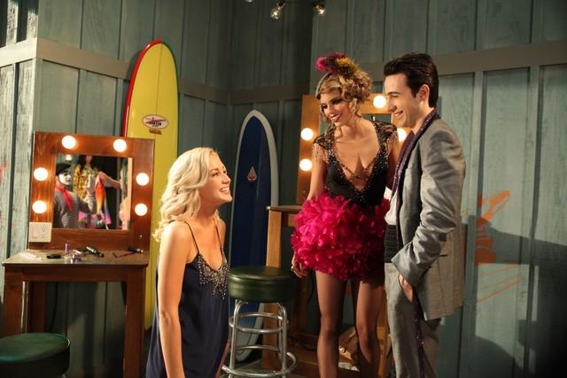 90210: Kellie Pickler, AnnaLynne McCord e Josh Zuckerman nell'episodio Benefit Of The Doubt