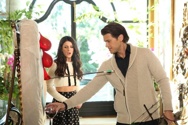 90210: Shenae Grimes e Nick Zano nell'episodio Babes in Toyland