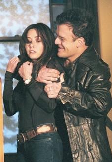 Kevin Weisman e Shannen Doherty in una scena dell'episodio La confessione della serie TV Streghe