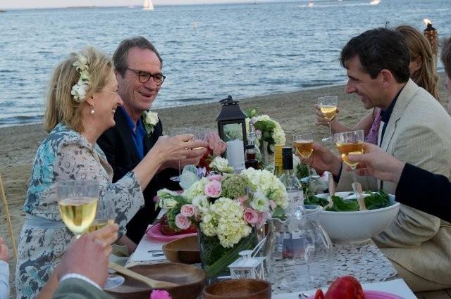 Cena sulla spiaggia per Meryl Streep e Tommy Lee Jones nella commedia Hope Springs