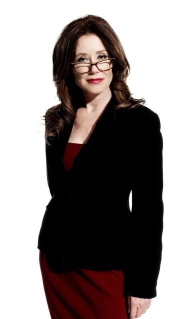 Major Crimes: Mary McDonnell in una immagine promozionale della serie