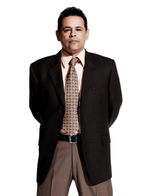Major Crimes: Raymond Cruz in una immagine promozionale della serie