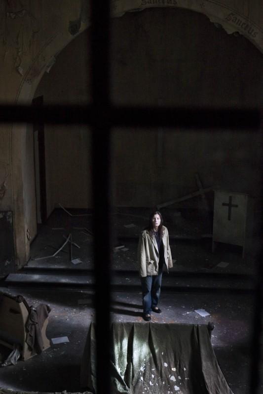I bambini di Cold Rock: Jessica Biel cerca la soluzione del mistero in una chiesa sconsacrata