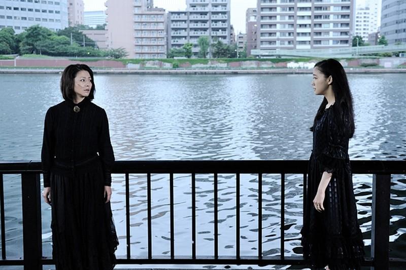 Penance: Kyôko Koizumi insieme a Yû Aoi in una scena del film drammatico di Kiyoshi Kurosawa