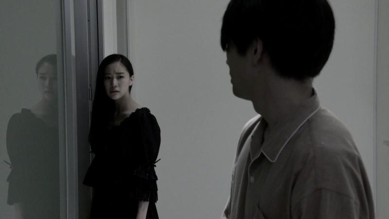 Penance: Yû Aoi insieme a Mirai Moriyama in una cupa scena del film di Kiyoshi Kurosawa