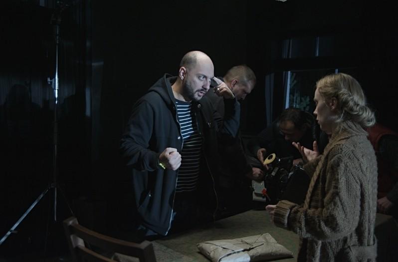 Betrayal: il regista Kirill Serebrennikov sul set con l'attrice Franziska Petri