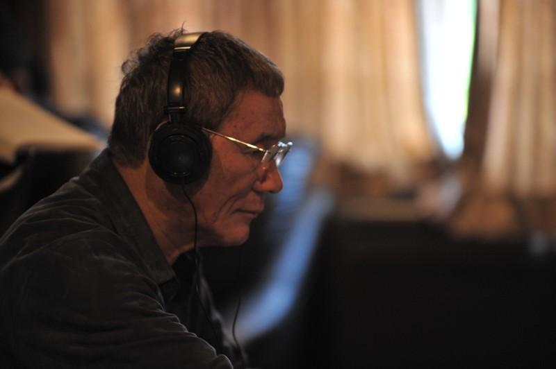 Outrage Beyond: il regista del film Takeshi Kitano sul set