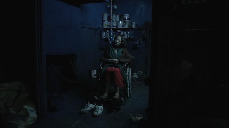 Pietà: Jo Min-su in un'agghiacciante immagine del film