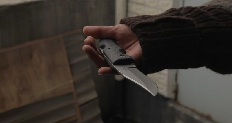 Pietà: un coltello affilato e pronto ad uccidere immortalato in una scena del film