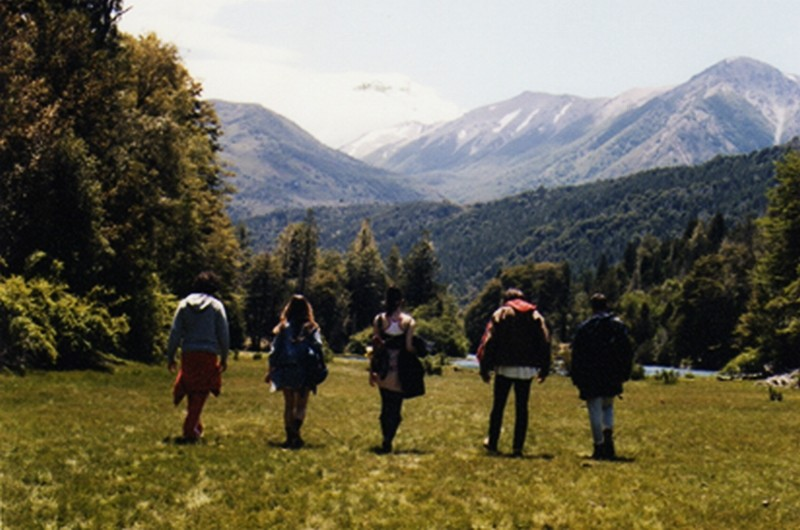 Leones: i cinque protagonisti del film tra le montagne