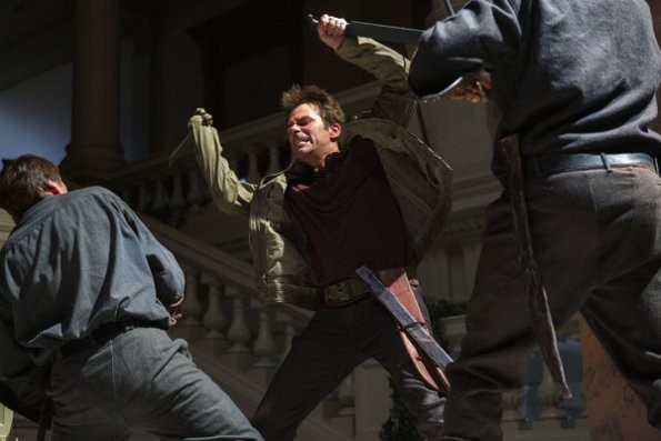 Revolution: Billy Burke in un momento del pilot della serie