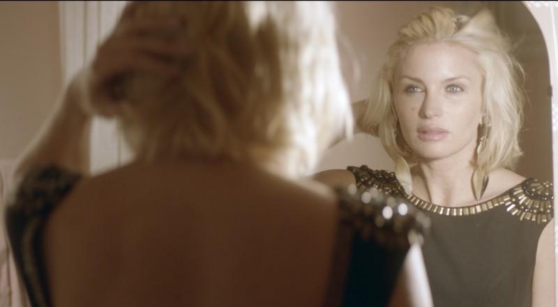 Blondie: Carolina Gynning in una scena del dramma familiare