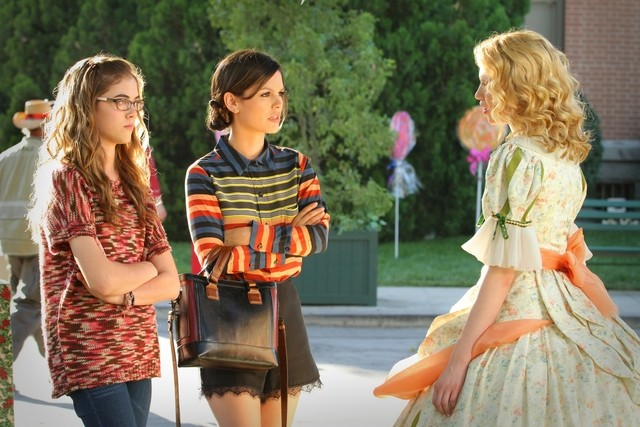 Hart of Dixie: Claudia Lee, Rachel Bilson e McKaley Miller nell'episodio Hairdos & Holidays