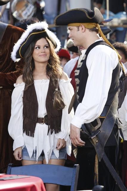 Hart of Dixie: Rachel Bilson e Scott Porter nell'episodio The Pirate & The Practice