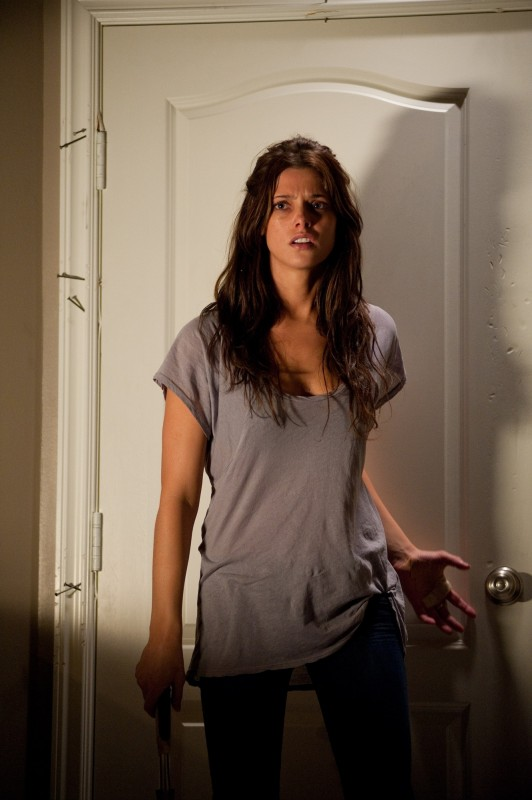 Ashley Greene in una scena di The Apparition, del 2012
