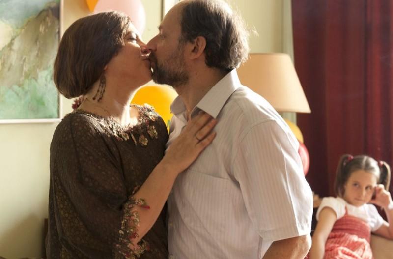 Du Vent dans mes mollets -  Denis Podalydès in una scena con Agnès Jaoui