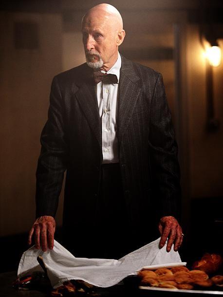 American Horror Story: James Cromwell in una foto promozionale per la seconda stagione